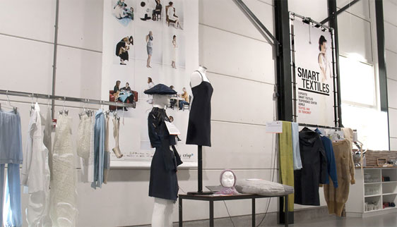 Banner expositie Smart textiles in Texperience Center